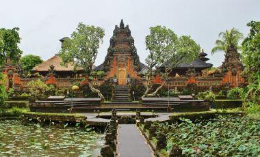 Altarul Zeitei Saraswati din Ubud