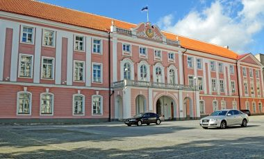 Castelul Toompea din Tallinn