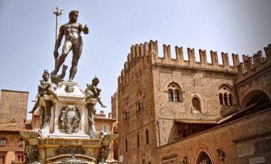 Fantana lui Neptun din Bologna