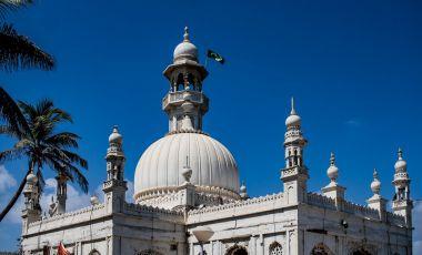 Moscheea Haji Ali din Mumbai