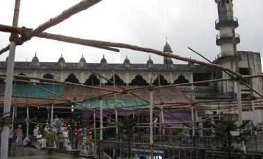 Moscheea Shahi Jama-e-Masjid din Chittagong