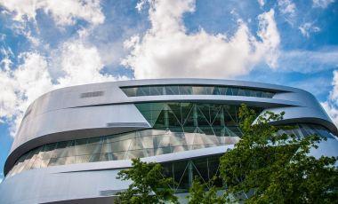 Muzeul Mercedes-Benz din Stuttgart