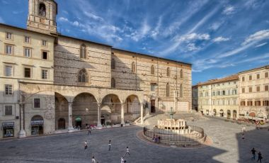 Piata 4 Noiembrie din Perugia