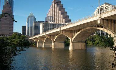Podul Congress Ave din Austin