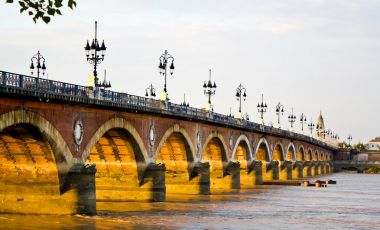 Podul de Piatra din Bordeaux