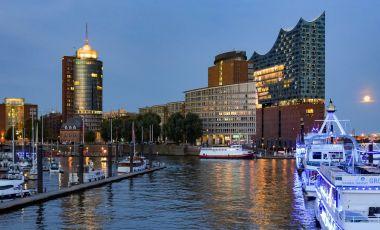 Cartierul Sfantul Paul si Strada Reeperbahn din Hamburg