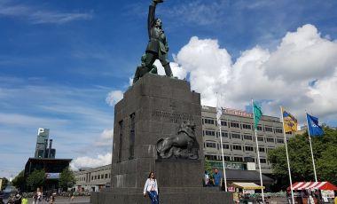 Piata si Statuia Libertatii Finlandei din Vaasa
