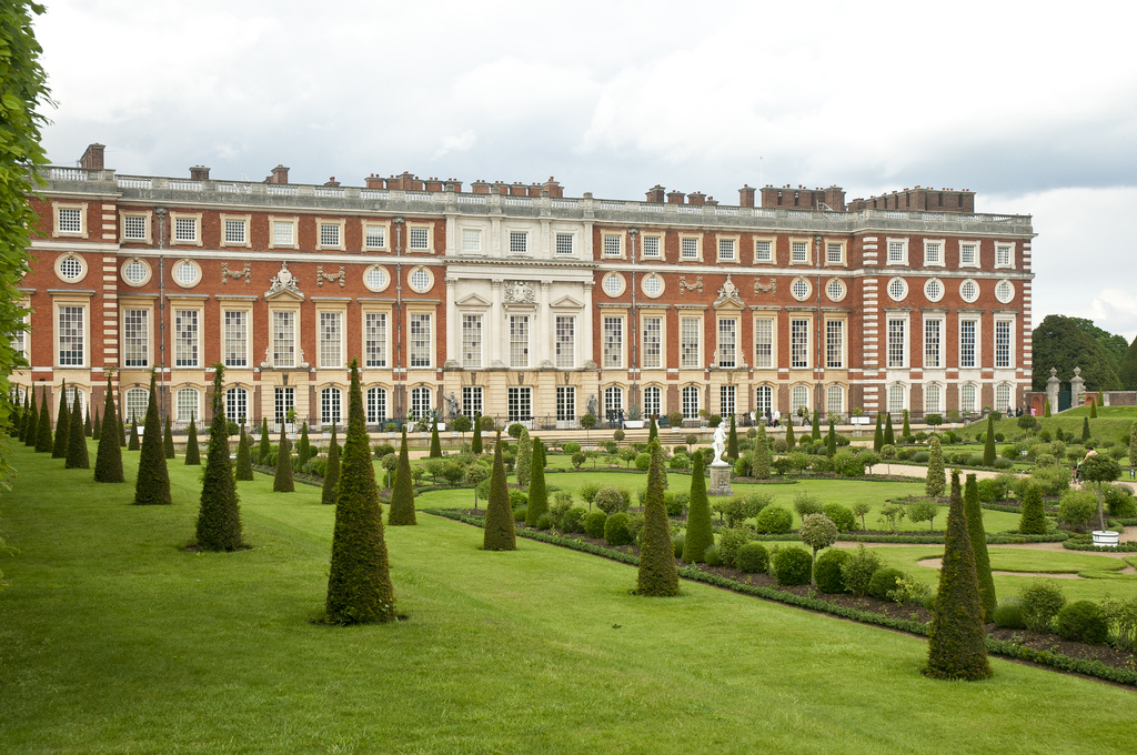 Palatul Hampton Court